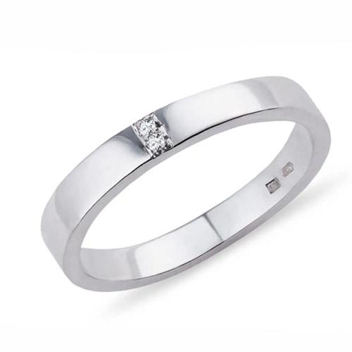 stribrny-prsten-s-diamanty-zasnubni-snubni