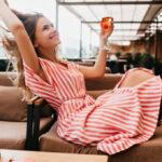 Trendy v dámské módě pro léto 2021